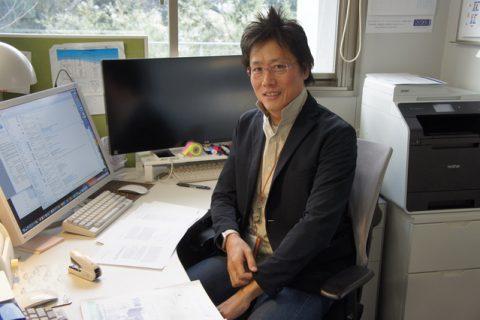 「出口は目指すが、やるのは基礎研究」 – 有機ELの先駆者、九大・安達千波矢教授