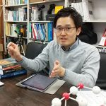 「超放射相転移」で物理学の新たな領域を切り拓く! 光の研究はどこに向かうのか – 京大白眉センター・馬場基彰 特定准教授